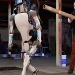 Novo video do robô Atlas da Boston Dynamics é surpreendente