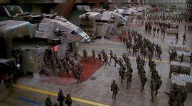 Versão modernizada do trailer de Starship Troopers dá vida nova ao filme